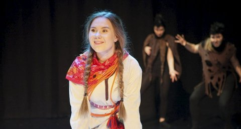 Eila Ballovara Varsi får tildelt et av årets Drømmestipend på 15 000 kroner. Her er hun avbildet under sin første hovedrolle som Ronja Røverdatter i 2016.