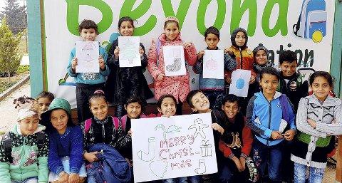Å håpe: Vi får bare håpe det beste. Barna ved Beyond, ønsker uansett sin vanskelige situasjon, alle Merry Christmas. Foto: Nils W. Ørum, Lions Club Holmestrand