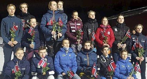 Medaljedryss: Medaljevinnerne individuelt og lag under Junior NM 2020 på Rena. Foto: Norges Skiforbund