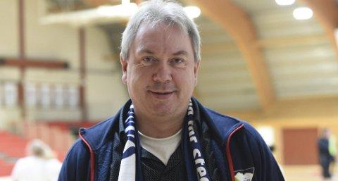 OPTIMIST: Leif Stensrud, leder Skrim håndball elite, håper og tror at eliteserielaget skal nå målet om å ha positiv egenkapital til nyttår.FOTO: OLE JOHN HOSTVEDT