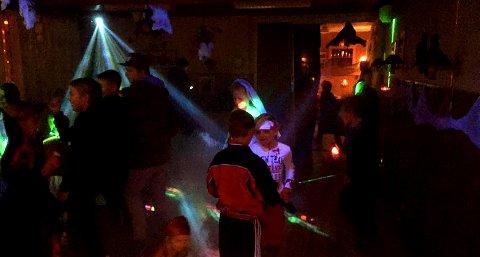 HALLOWEEN: Det blir fest for skoleunger fra hele Sandsvær i Passebekk på fredag.