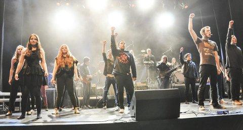 Rockekonsert: Avslutningsnummeret på rockekonserten til kulturskolene i Vågan og Vestvågøy. Alle foto: Åshild Marita Håvelsrud