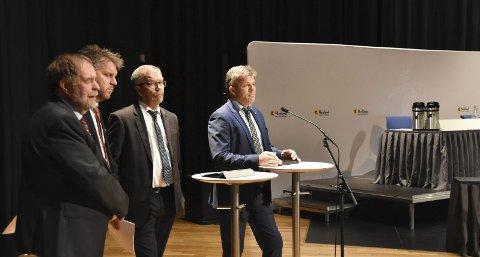 Tok innspillene: Fylkespolitikerne snudde i saken om hurtigbåt til og fra Lofoten. Arve Knutsen (KrF), Marius Meisfjord Jøsevold (SV), Kurt Jenssen (Sp) og Bjørnar Skjæran (Ap) la fram et tilleggsforslagt til fylkesrådets innstilling. Saken skal nå behandles i samferdselskomiteen før fylkestinget gjør et endelig vedtak på onsdag. Med flertall i saken ligger det an til at endringene om å beholde helårlig hurtigbåt til og fra Lofoten blir vedtatt.Alle Foto: Øystein Ingebrigtsen