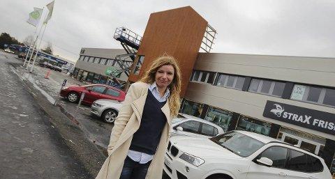 Satser her: Denne bygningen i Varnaveien 35 er et satsingsbygg, forteller styreleder Trine Lise Wahl. Over 10 millioner brukes for å ruste opp eiendommen. Pølsemaker Jon Ertnes blir å finne der.