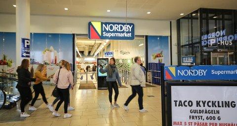 ENORM OMSETNING: Matbutikken Nordby supermarked, som boltrer seg på 9500 kvadratmeter, omsatte for 1,2 milliarder kroner i fjor. I løpet av året blir butikken enda større.