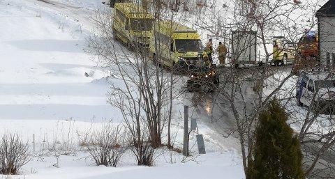 Rykket ut: Flere ambulanser og Namsos brann og redning rykket ut da alarmen gikk på Spillum søndag ettermiddag.