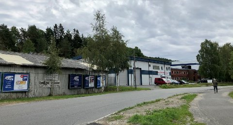 I dette området mellom Holmlia og Rosenholm vil Obos bytte ut industrilokaler med boliger.