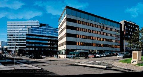 VIL VOKSE: Slik ser man for seg Roald Amundsens plass 1 med en ekstra etasje. Arkitektene viser til at både nabobygget, Saga hotell, og The Edge er høyere.