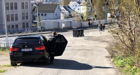 UP: Politiet og UP har hatt kontroller ved flere skoler i Tromsø tirsdag morgen. Her fra Gyllenborg skole.