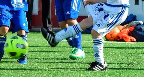 Åtteåringene til FK Gjøvik-Lyn og Vind møtes til ny kamp neste onsdag etter den uheldige episoden mandag. Da står vennskap og is i fokus.