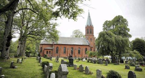 STOR HELG: Ås kirke har konfirmasjonsgudstjenester begge dager.