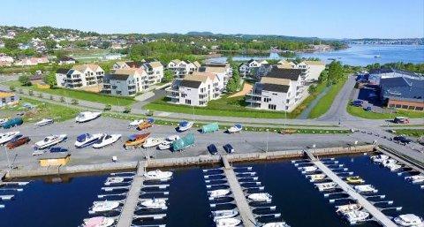 NYE PLANER: Slik kan det bli på Risøya dersom utbyggerne får det som de vil. Her er prosjektet sett fra sør.