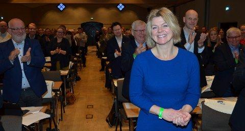 KVINNE PÅ TOPP: – Nå må Hedmark Høyre velge en kvinne på topp. Uravstemningen blant medlemmene viser at kvinnene er mest ønsket, sier Lise Berger Svenkerud fra Våler. Hun er tidligere ordfører og fylkesleder i Hedmark Høyre og Innlandet Høyre - og ønsker seg nå inn på Stortinget.