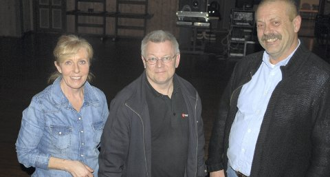Kinovertene: Co og Marja Elling, sammen med maskinist Morten Gulbrandsen.