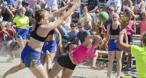 Propaganda: Med 800 spillere, fullt trøkk på samtlige baner og strålende sol hele turneringen til ende kunne ikke beachhåndballen fått en bedre reklame enn det den fikk under helgas Regionalmesterskap i Moelven denne helga.