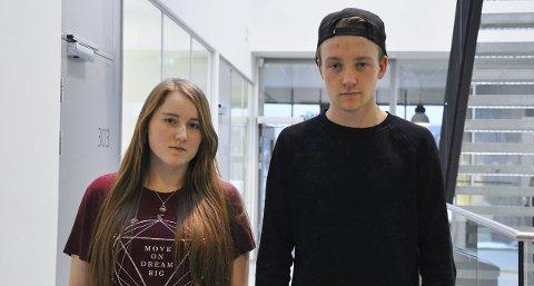 Ellen M. Rognerud og Jørgen M. Hungerholt reagerer på at elevene ikke blir tatt når de snuser i timen.