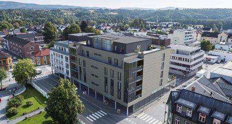 SLIK KAN DET BLI: Planen skal åpne for seks etasjer i hele kvartal 46. Sindre Lafton håper at både Labelle og Hønefoss Akvarium vil bli i nye lokaler. Selv har han Eiendomshuset.