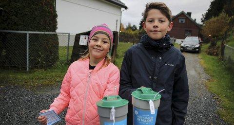 Tilde (8) og Noah (12) Eriksen Langstrand gikk med hver sin bøsse i området rundt Ullerål skole.