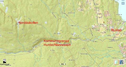 Leteaksjonen tok ifølge operasjonsleder hos politiet utgangspunkt i området Nordåskollen i Hurdal hvor de siste GPS-observasjonene av 19-åringen ble gjort torsdag i 13.30-tida.