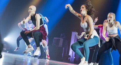 God innsats: Dansegruppa Fusion, bestående av Amanda Bråthen, Kristiane Edland Lindvik, og Sanne Bull Tuhus, skal delta i UKM-finalen i Trondheim. Foto: Marta Gajewska