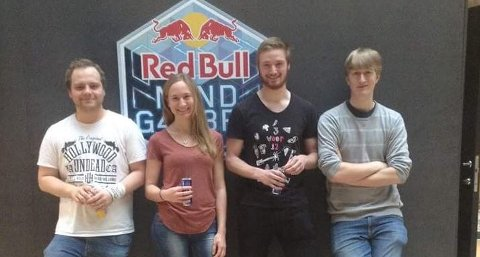 Georg Botne (t.h.) fra Sandefjord skal sammen med sine lagkamerater prøve å vinne Mission: Unlock Enoch i Budapest.
