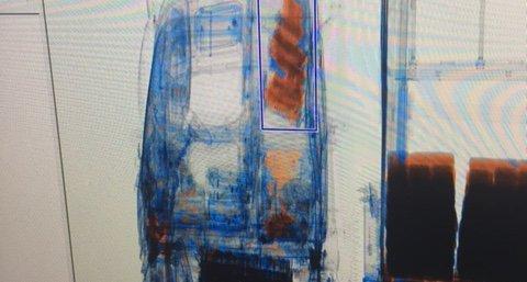 Det var den mobile skanneren fra tollvesenet som avslørte rekordbeslaget av hasj. Her ser vi hasjen inne i førerhuset.