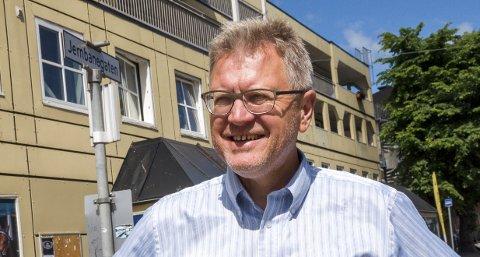 JERNBANEGATA: Jernbanegata er et gammelt gatenavn på Mysen. Nå er spørsmålet om Mysen eller Askim får beholde dette gatenavnet. Eller begge to? Eidsberg-ordfører Erik Unaas mener det ikke er noe i veien for å velge sistnevnte løsning.