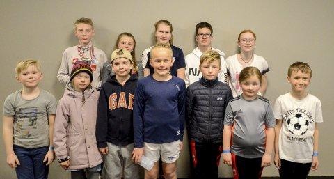 DE UNGE HOPPERNE: Her er de yngste hopperne i Østfold skikrets samlet, de synes hopp er veldig kult.