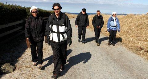 Bergit Vold (f.v.), Terje Vold, Tormod Lauvvik, Arne Leseth og Helga Mauland Eidevik er på tur med Nortråkk.
