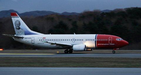 Et skadet Norwegian-fly tok av fra Sola uten at flygerne visste om skadene. Årsaken var at en handlingsjåfør ikke meldte fra om uhellet. (Illustrasjonsfoto)