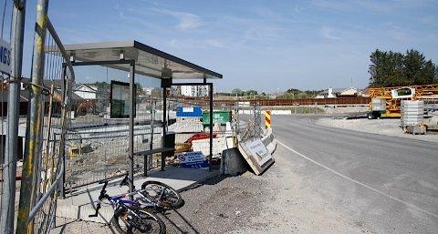 Med den nye busstraseen over Myklebust og Jåsund vil flere av holdeplassene i Tananger forsvinne.
