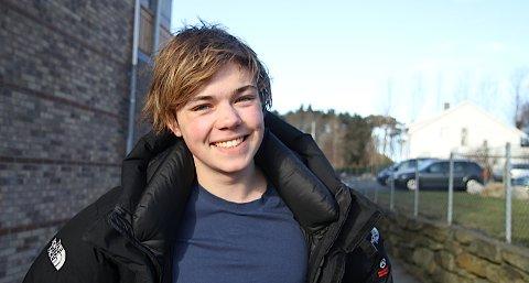 Jens Kristian Øvstebø er ungdomsredaksjonens kommentator. I dag skriver han om bruk av Facebook i skolen.