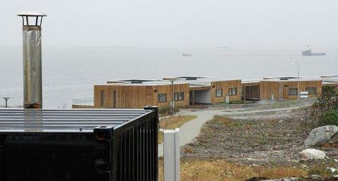 Trøbbel med de midlertidige varmesentralene på Myklebust har gitt kaldt dusjvann for beboerne i området.