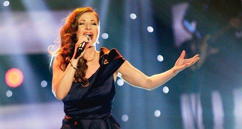 Rita Eriksen ser ikkje på seg sjølv som ei typisk dansebanddame, men har tenkt å gi alt under laurdagens finale i tv-programmet Stjernekamp. Ho skal synge songane: «Blåmann» og «Blue Hawaii».