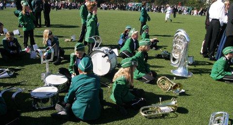 Musikantene i Tananger skolekorps har fått fri fra spilling i folketoget på 17. mai. Bildet er fra 17. mai i 2007.