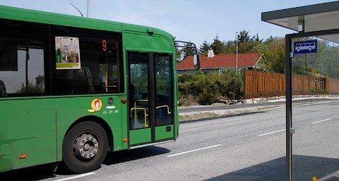 Fra mandag skal buss nummer ni kjøre på bussveien over Jåsund.