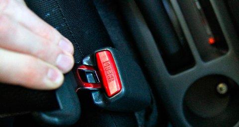26 bilførere ble ilagt gebyr for manglende bruk av bilbelte torsdag formiddag.