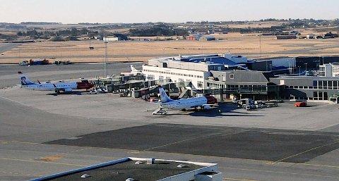 Økt olje- og gassaktivitet i Nord-Norge kan bety starten for en ny flyrute mellom Sola og Tromsø.