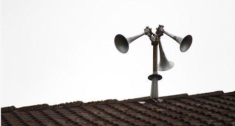 Disse tyfonene på taket til Soltun vil ule fra klokken 12.00 i dag.