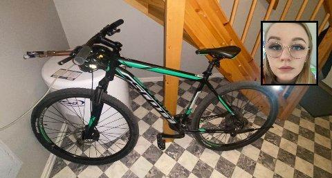 SURT: Julie E. Jensen må klare seg uten sykkelen sin framover etter at den ble stjålet etter en handletur. – Det er jo en egoistisk handling.