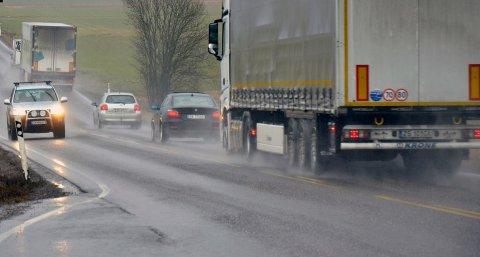 OVERGANG: Fra nyttår skal den nye kommunen ta over ansvaret for rundt 3100 kilometer med fylkesveier.