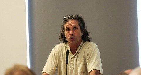Ikke varslet: Geir Christensen (Rødt) reagerer på at saken om innkjøpsstopp ikke er blitt behandlet av politikerne.