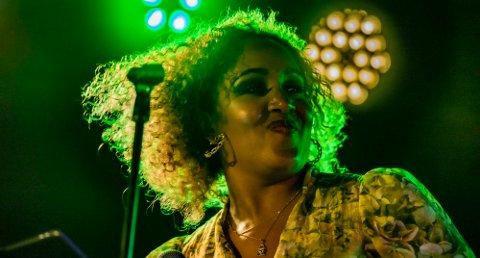 - Soulrock og funk, det er meg, sier den fremadstormende artisten Anna-Lisa Kumoji.