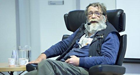 Seminar: Professor Frank Aarebrot innledet på seminaret til Sunndal Kjemiske.