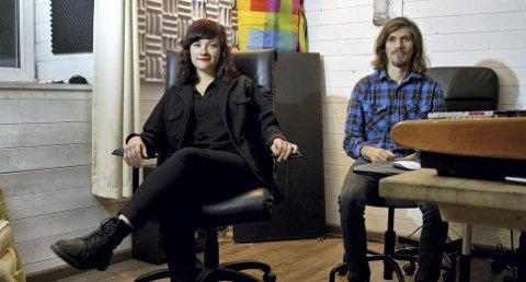 Elida Høgalmen, her sammen med bassist Andreas Naustdal, har signert plate- og bookingkontrakt med Klangkollektivet etter Vill Vill Vest. Bandet på fire har singelslipp senere i høst, og planlegger EP i løpet av året som kommer.