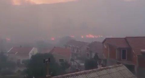 Det er mye røyk over hele Split som følge av storbrannen.