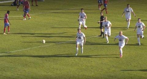 Mathias Sundberg scoret Øygardens første da strilene stoppet Vard Haugesunds lange rekke uten tap.