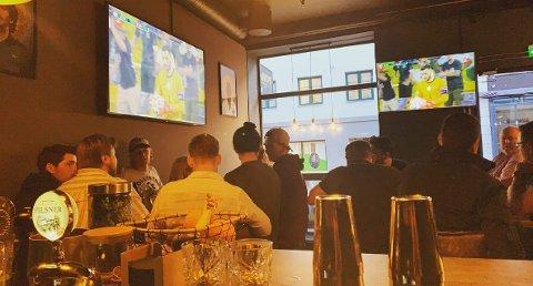 Osman Ersoy hos Savoy Sport og Bar forteller om godt besøk under EM.