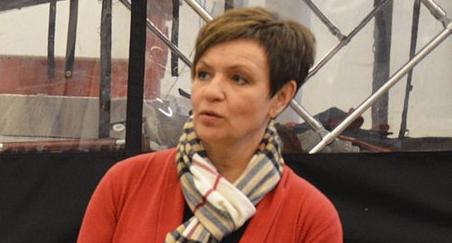 BESØK: Anne Tingelstad Wøien og Sp-kommunestyrerepresentant Pål-Arne Oulie på besøk i nødetatbygget i Gran fredag.