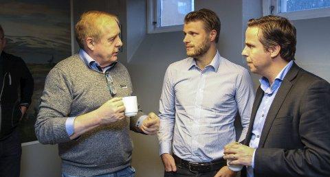 MULIGHETER: MON-leder Leif Ståle Søfting var raskt ute med å kapre  Gustav Grumert og   Per Witalisson. De to er toppsjefer i henholdsvis Eolus Vind Norge AS og Eolus Vind AB. Bilder: Rune Pedersen